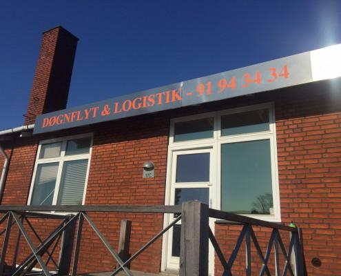 facede på Døgnflyt & Logistik's kontor